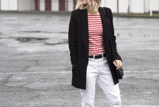 Style: red stripes & white jeans.