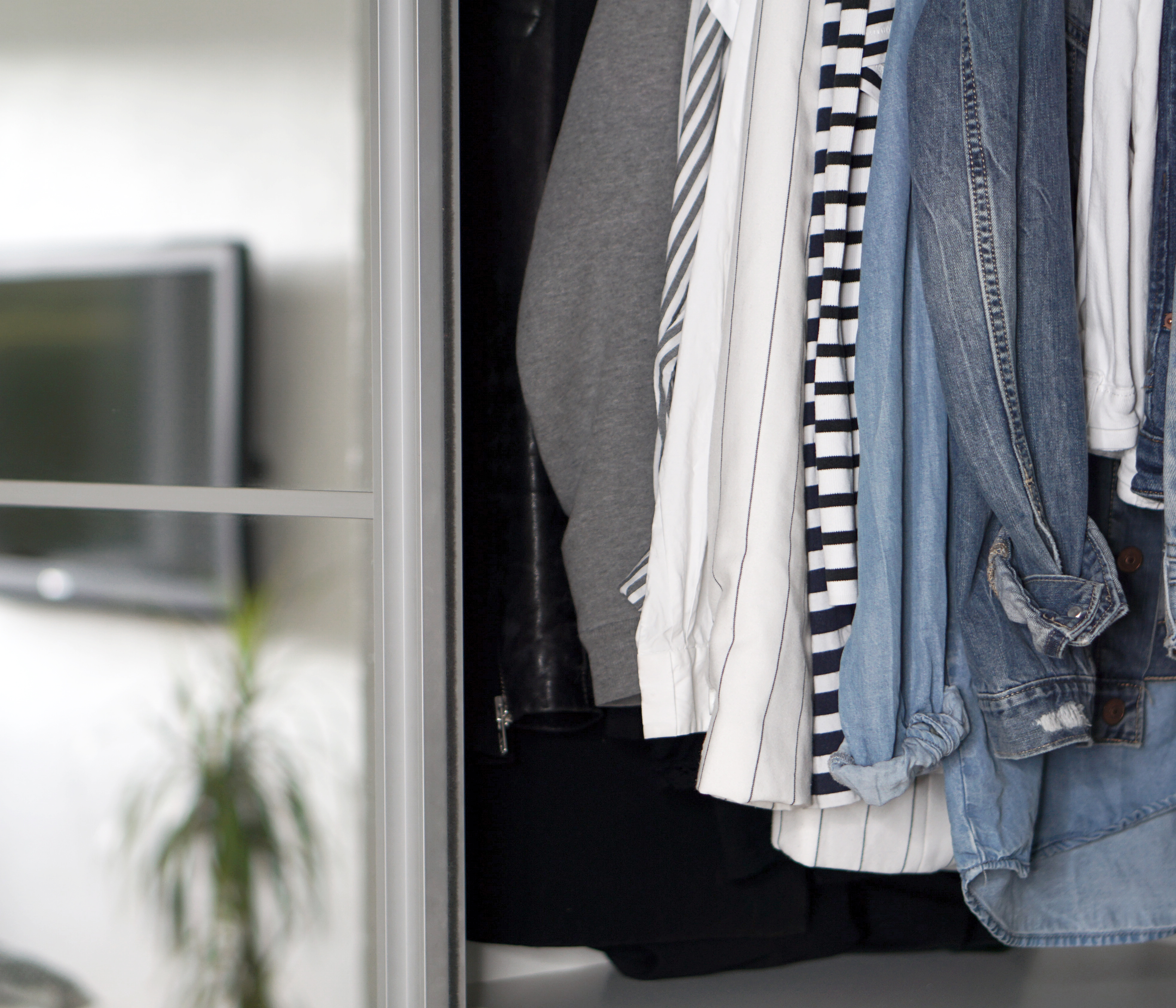What is a capsule wardrobe REALLY about?