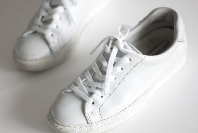Make your white sneaks white again.