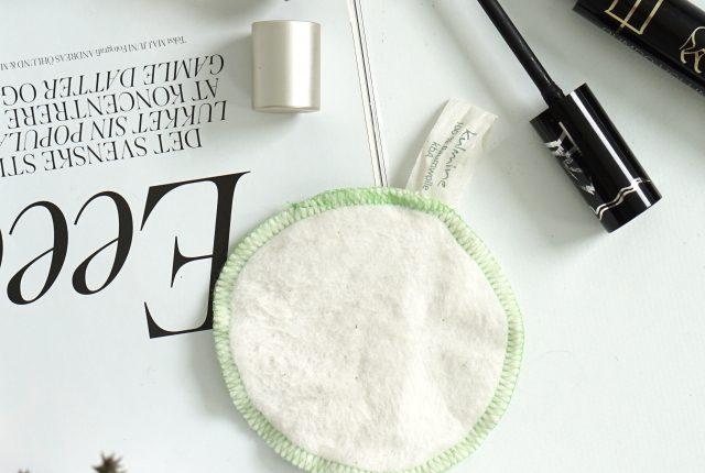 Minimalist & eco-friendly beauty essentials.