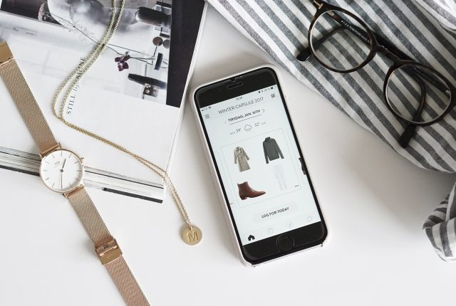 3 apps to help you organize your wardrobe (and lower your consumption)