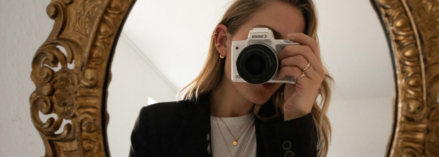 Layering jewelry: my 5 best tips (and a 20% discount on my jewelry designs)